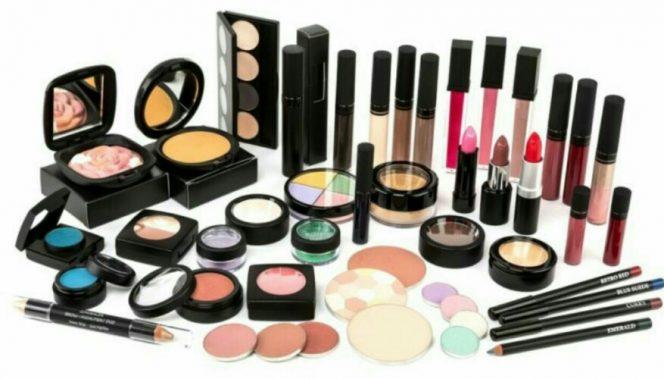 Awas Tertipu, Ini Tips Memilih Kosmetik yang Aman untuk Kulit