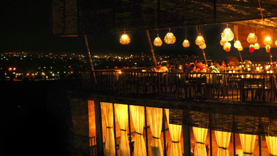 Destinasi Wisata Cirebon Bukit Gronggong