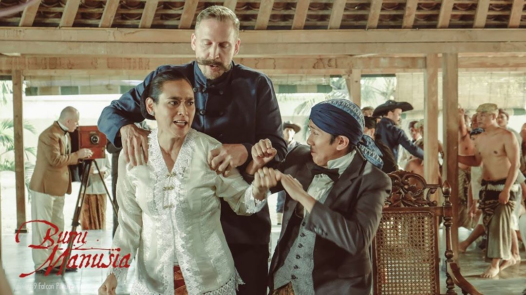 Review Film Bumi Manusia