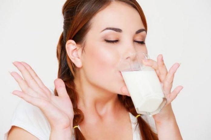Minum susu mual