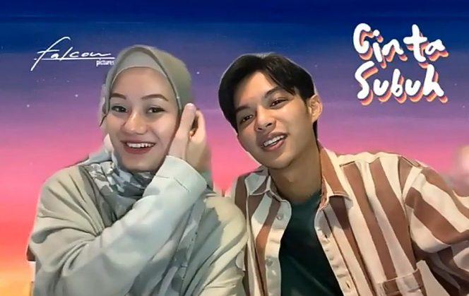 Dinda Hauw dan Rey Mbayang mengaku banyak belajar dari film Cinta Subuh yang mempertemukan mereka hingga akhirnya menikah. (Foto: Dok. Falcon Pictures)