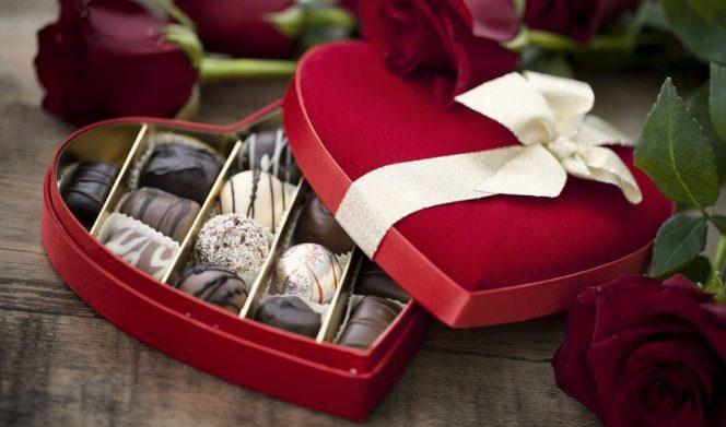 Selain menjadi makanan yang disukai banyak orang dan menjadi hadiah Valentine, cokelat ternyata memiliki beragam manfaat bagi kesehatan. (Foto: 10bestmedia.com)